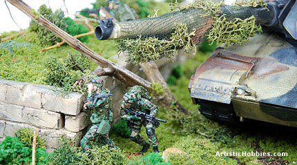 2 army soldiers in a diorama