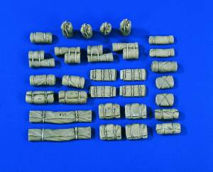 1/35 US Bedrolls, Tent packs and Bags WWII